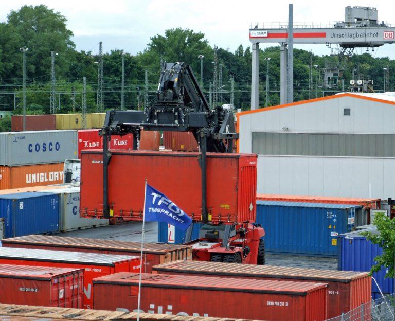 Een container huren om je werkplaats uit te breiden?